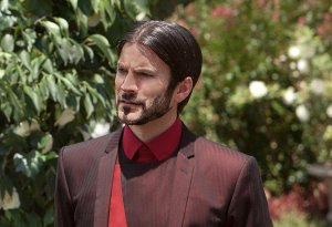Photo Credit: http://movies.yahoo.com/blogs/movie-talk/wes-bentley-beard-surprise-hunger-games-star-171934040.html